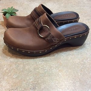 ECCO BROWN LEATHER MULES